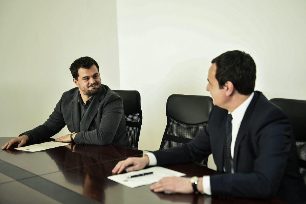 Kurti emëron Edison Jakurtin zëvendësministër të MEPTINIS