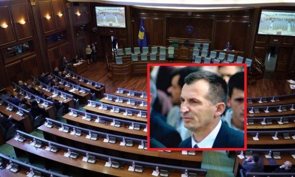 Deputeti që sot doli pozitiv me Covid 19  dje ishte prezent në seancën e Kuvendit