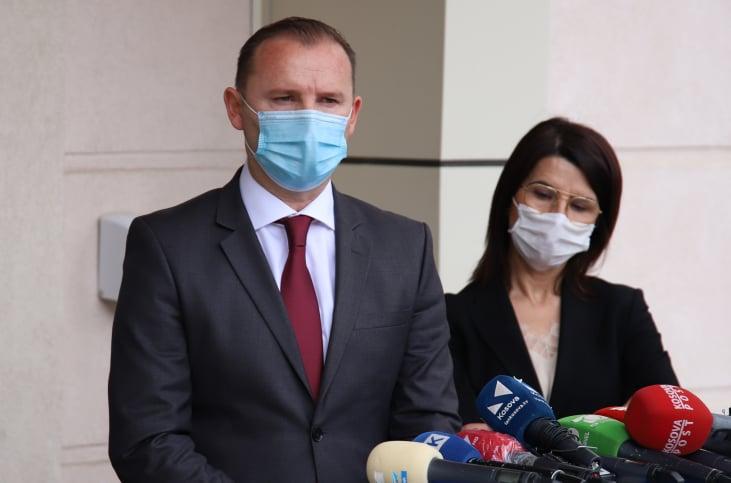 Zemaj  Mos na impononi gjendjen e jashtëzakonshme  më dhemb shpirti ta shoh Kosovën e mbyllur